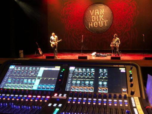 """Akoestische Theatertour """"25 jaar Van Dik Hout"""""""